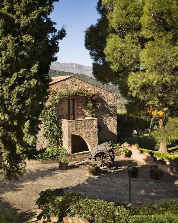 Abbazia Santa Anastasia: hospitality and wines in the Parco delle Madonie